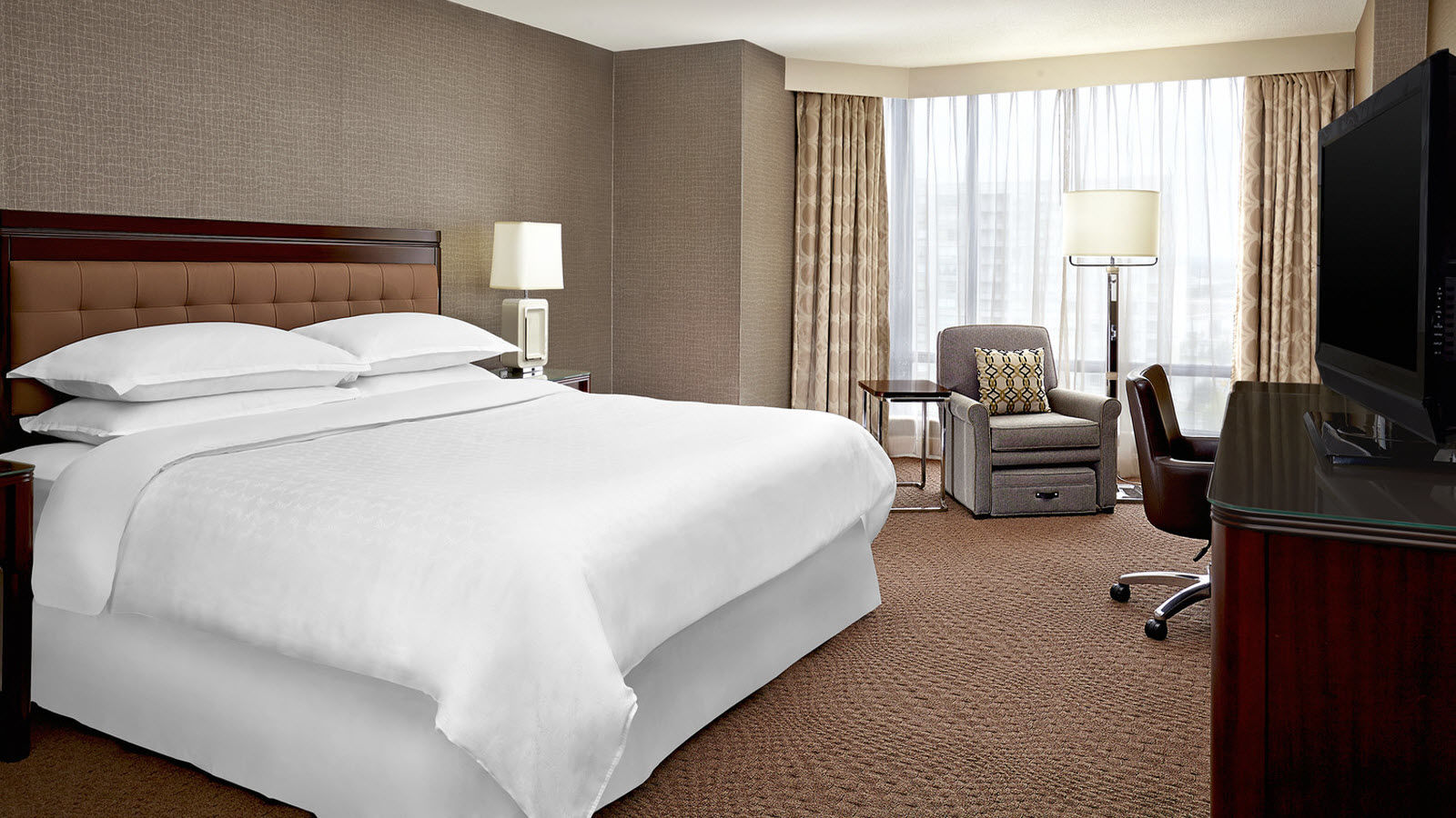 Premium Guest Room | Sheraton Parkway Toronto North Hotel & Suites