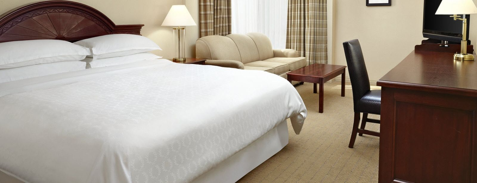 Traditional Guest Room | Sheraton Parkway Toronto North Hotel & Suites