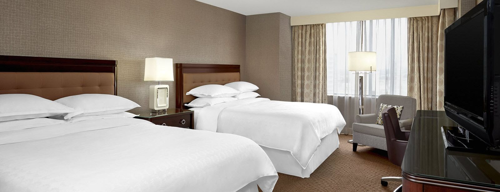 Sheraton Club Level Guest Room | Sheraton Parkway Toronto North Hotel & Suites